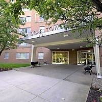Waldorf Towers Apartments - Cleveland Heights, OH 44106