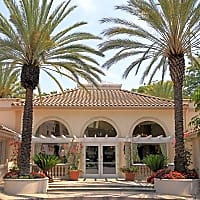 Summit At Warner Center - Woodland Hills, CA 91367