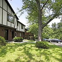 Center Grove Apartments - North Versailles, PA 15137