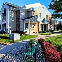 Lake Village of Port Huron Apartments - Port Huron, MI 48060