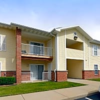 The Carlyle Apartment Homes - Springfield, MO 65807