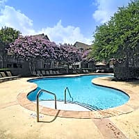The Lodge At Shadowlake - Houston, TX 77082