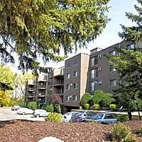 Creek Point Apartments - Hopkins, MN 55343