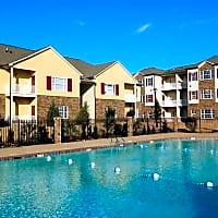 The Charleston Apartments - Memphis, TN 38133
