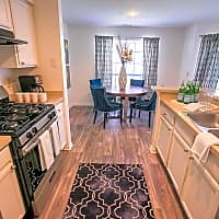 The Residence At Christopher Wren Apartments - Gahanna, OH 43230