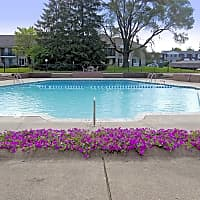 Coach House Apartments - Southfield, MI 48075