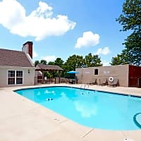 The Villas on Cantrell - Little Rock, AR 72227