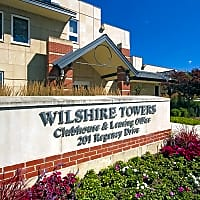 Wilshire Towers - Bloomingdale, IL 60108