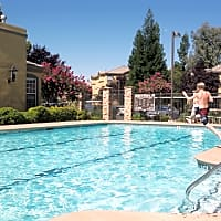 Oak Brook Apartments - Rancho Cordova, CA 95742