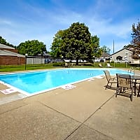 Presidential Suites - Massillon, OH 44646