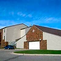 Carriage House Apartments - Moorhead, MN 56560
