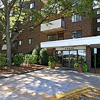 Thornwood Apartments - Chicago Heights, IL 60411