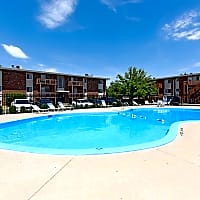 Lincolnshire West Apartments - Dekalb, IL 60115