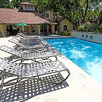 Villas of Oak Hill - Fort Worth, TX 76109