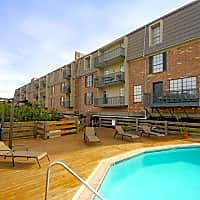 Sailboat Bay Apartments - New Orleans, LA 70124