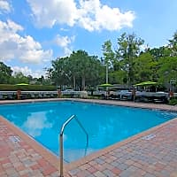 Lake Crossing Apartments - Gainesville, FL 32606