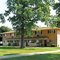 Golf Club Apartments and Townhomes - West Chester, PA 19382
