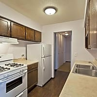 Hunter's Ridge Apartments - Shakopee, MN 55379