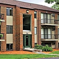 Woodlake Apartment Homes - Wyoming, MI 49519