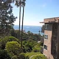 Casas By The Sea - San Diego, CA 92109