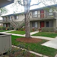 Cinnamon Creek - Corona, CA 92879