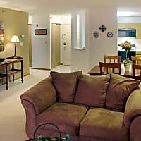 The Lexington Apartments And Townhomes - Roseville, MN 55113