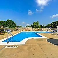 Olde Towne Apartments - Springfield, IL 62702