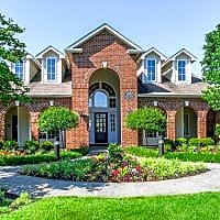 Creekside Apartments - Overland Park, KS 66213