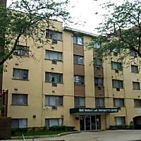 Sheridan Lake Apartments - Chicago, IL 60660