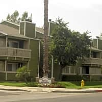 Royal Gardens Apartments - Hemet, CA 92543