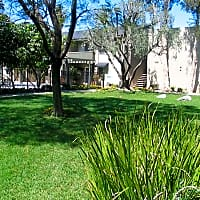Americana Warner Center Apartments - Canoga Park, CA 91303
