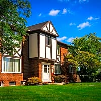 Maple Grove Apartments - Sterling Heights, MI 48312