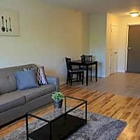 Sea Breeze Apartments - East Haven, CT 06512