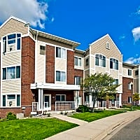 Hearthstone Apartments And Townhomes - Apple Valley, MN 55124