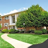 Green Lake Apartments - Orchard Park, NY 14127