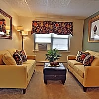 Loch Bend Apartments - Parkville, MD 21234