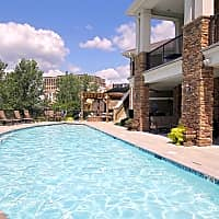 The Briarcliff City Apartments - Kansas City, MO 64116