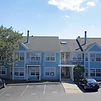 Stony Brook Village Apartment Homes - East Haven, CT 06512