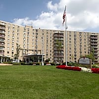 Hummingbird Pointe Apartments - Parma, OH 44129