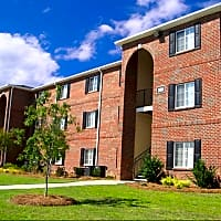 Eagle Point Village - Fayetteville, NC 28314