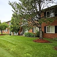Franklin Square Apartments - Livonia, MI 48154