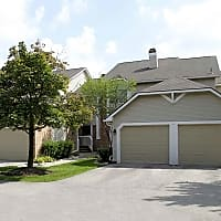 Chimney Hill Apartments - West Bloomfield, MI 48322