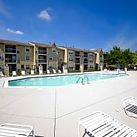 Fishermans Village Apartments - Indianapolis, IN 46214