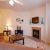 Chamberlain Place Apartments - Winston-Salem, NC 27103