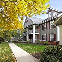 Foxwood Crossing Apartments - Greenfield, WI 53228