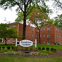 Broadview Gardens - Cleveland, OH 44109