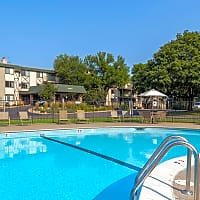Medicine Lake Apartments - Plymouth, MN 55441