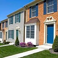 Elmtree Townhouse Apartments - Martinsburg, WV 25404