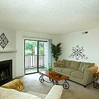 Stonesthrow Apartment Homes - Greenville, SC 29607