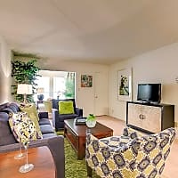 Fox Run Apartment Homes - Metairie, LA 70001